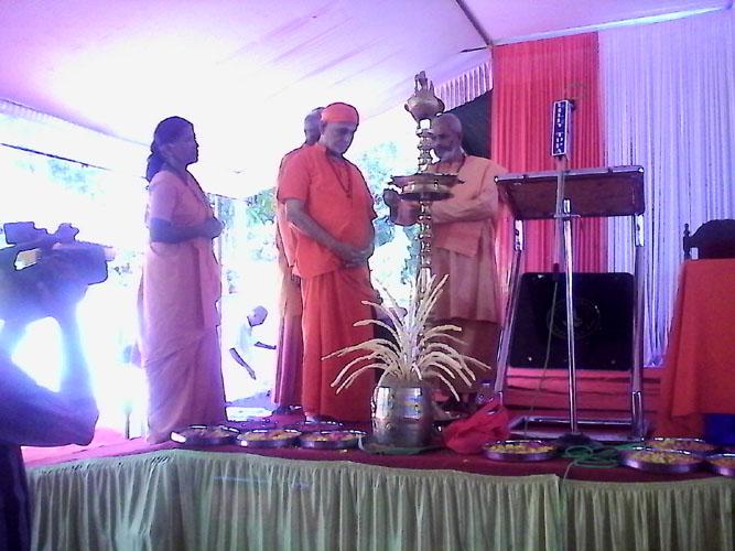 Sreekala Theerthapadashramam inagurated by Bhrahmasree Bhoomananda Theertha  , near Bhrahmasree Prajnanananda Theerthapadar , Swamy Vivekananda Theerthapadar & Swamini Snehanandamayi Theerthapada